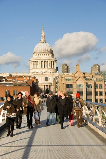 People on Millennium Bridge, St Paul´s Cathedral, St Paul´s, London, England, United Kingdom, Europe : Stock Photo