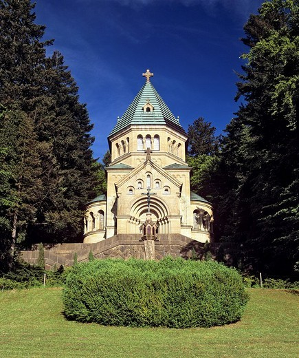 Votive chapel at Lake Starnberg, site where King Ludwig II of Bavaria was found dead, Upper Bavaria, Germany : Stock Photo