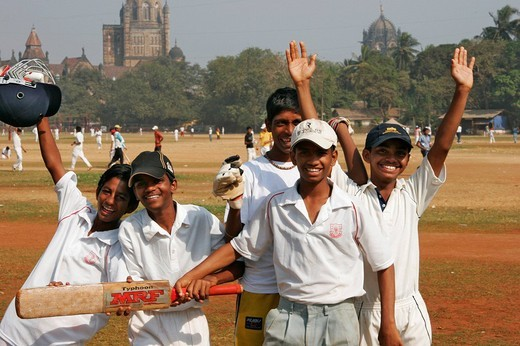 Stock Photo: 1848-42894 Teenagers playing cricket at the Azad Maidan Park, Mumbai, Bombay, India, South Asia