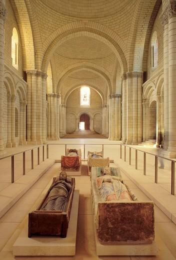 Tomb of Isabel of Angoulême and Richard the Lionheart, abbey church, Abbaye Royale de Fontevraud, Anjou, Maine_et_Loire, Pays de la Loire, France, Europe : Stock Photo