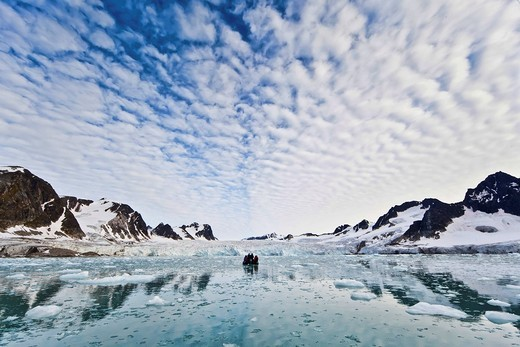 Stock Photo: 1848-430553 Ice, fjord, Zodiac rubber boat in the Fuglefjord in front of a glacier, Svalbard, Spitsbergen, Norway