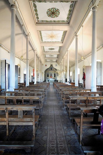 Stock Photo: 1848-433434 Inside the church of San Juan, Leon, Nicaragua, Central America