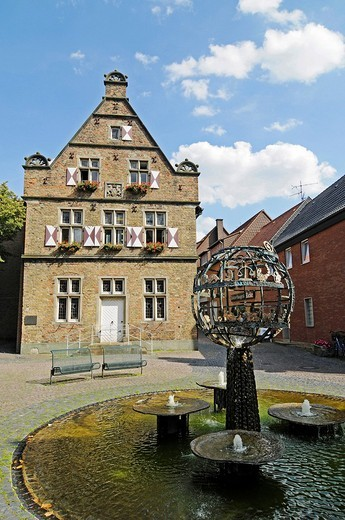 Fountain, Steinhaus building, public library, historic old town, Werne, Kreis Unna district, North Rhine_Westphalia, Germany, Europe : Stock Photo
