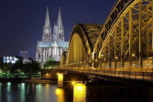 Cologne Cathedral, left the Museum Ludwig, Hohenzollernbruecke bridge on the right, Cologne, North Rhine_Westphalia, Germany, Europe : Stock Photo