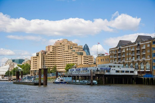 The Tower Hotel, Guoman, and HMS President, stone frigate, shore establishment, Royal Naval Reserve, Royal Navy, Thames view, Tower Hamlets, London, England, United Kingdom, Europe : Stock Photo