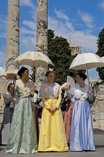 Stock Photo: 1848-440185 Arlésiennes, Fete du Costume, Arles, Bouches du Rhone, Provence, France, Europe