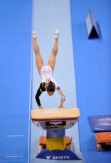 Stock Photo: 1848-440275 Kim Bui, Germany, vaulting, EnBW Gymnastics World Cup 2009, Porsche_Arena, Stuttgart, Baden_Wuerttemberg, Germany, Europe