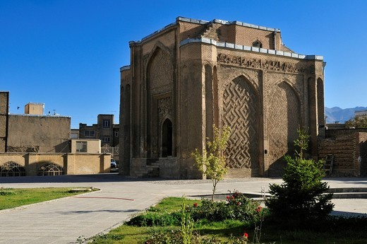 Stock Photo: 1848-441738 Historic Gonbad_e Alavian Tomb, Hamadan, Hamedan, Iran, Persia, Asia