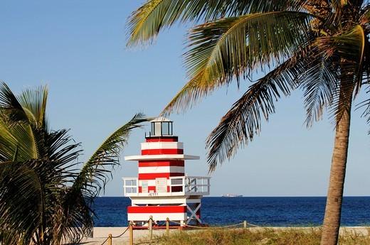 Lifeguard Tower, beach tower, Miami South Beach, Art Deco district, Florida, USA : Stock Photo