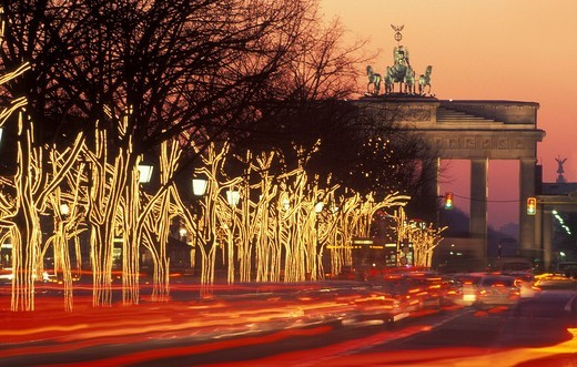 Stock Photo: 1848-443299 Brandenburg Gate and Unter den Linden, festively lit with strings of lights, Berlin, Germany, Europe