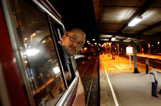 Peter Deissler, a train driver driving a 218 series diesel locomotive from 1972 on a regional express train from the Deutsche Bahn AG, between Heilbronn and Stuttgart, Baden_Wuerttemberg, Germany, Europe : Stock Photo