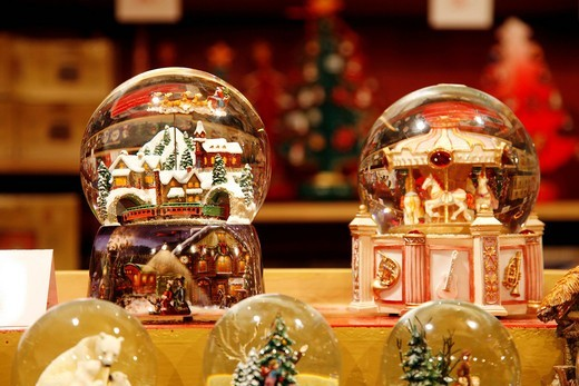 Stock Photo: 1848-446376 Christmas market at the cathedral in the old town, snow globes, Salzburg, Austria, Europe