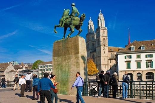 Grossmuenster, Muensterbruecke bridge, equestrian statue of Hans Waldmann, historic town, Zurich, Switzerland, Europe : Stock Photo