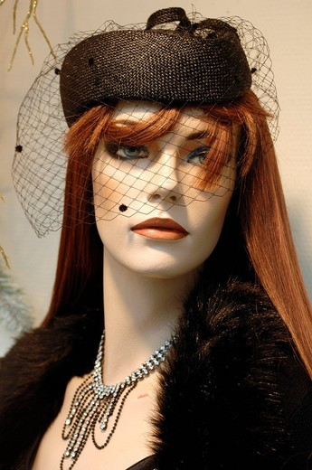 Female window dummy with a hat and veil, in a fashion shop, Erlangen, Middle Franconia, Bavaria, Germany, Europe : Stock Photo