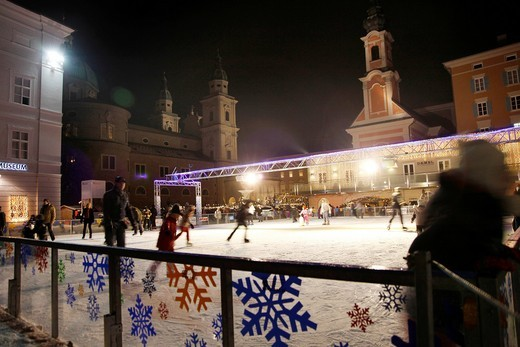 Skating rink, Christmas market at the cathedral, old town, Salzburg, Austria, Europe : Stock Photo