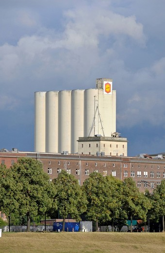 Stock Photo: 1848-450481 Aurora Muehlen GmbH flour factory at the port of Deutz, Cologne, North Rhine_Westphalia, Germany, Europe