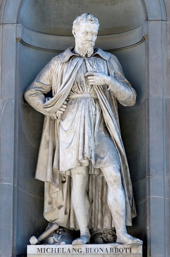 Statue of Michelangelo Buonarroti, Uffizi art museum, Galleria degli Uffici, Florence, Tuscany, Italy, Europe : Stock Photo