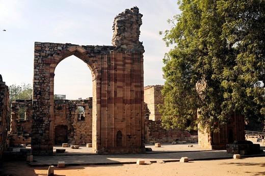 Ruins, Qutb Complex, Mehrauli Archaeological Park, Delhi, Uttar Pradesh, North India, India, South Asia, Asia : Stock Photo