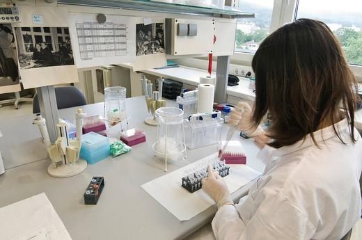 Stock Photo: 1848-451504 Laboratory scene, lab for genetic analysis