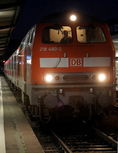 218 series diesel locomotive from 1972 on a regional express train from the Deutsche Bahn AG, in Heilbronn railway station, Baden_Wuerttemberg, Germany, Europe : Stock Photo