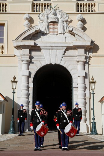 Stock Photo: 1848-454426 Changing of the Princely Guard at noon in front of the Prince´s Palace, military band, Principality of Monaco, Cote d´Azur, Europe