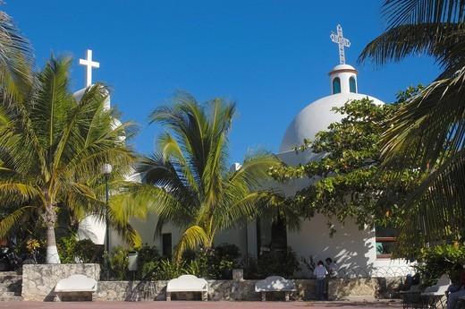 Church at 5ª Avenue, Playa del Carmen, Caribe, Quintana Roo state, Mayan Riviera, Yucatan Peninsula, Mexico : Stock Photo