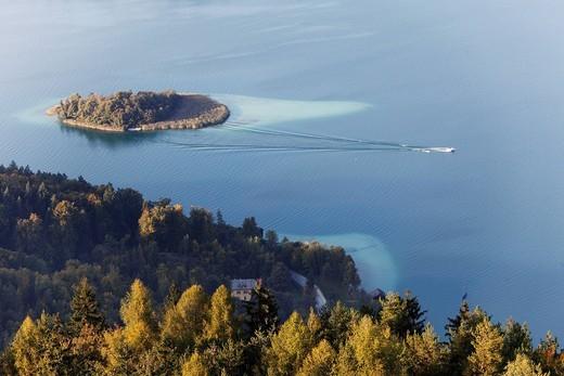 Stock Photo: 1848-457714 Capuchin Island, Lake Woerth, view from Pyramidenkogel mountain, Carinthia, Austria, Europe