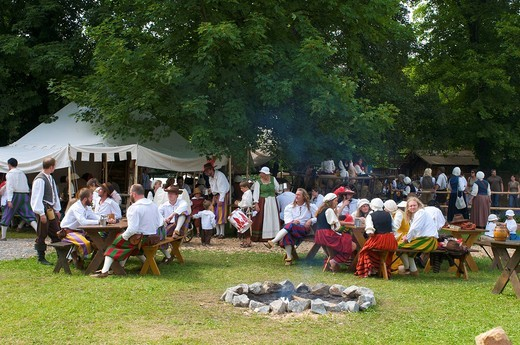 Stock Photo: 1848-458514 Camp life during the Wallenstein Summer of 1630 activities in Memmingen, Allgaeu, Bavaria, Germany, Europe