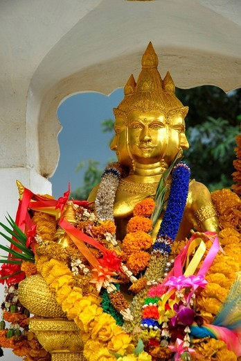 Stock Photo: 1848-459003 Altar with Buddha statue and traditional decoration with flowers, White Sand Beach, Hat Had Sai Khao, Koh Chang Island, National Park Mu Ko Chang, Trat, Gulf of Thailand, Thailand, Asia