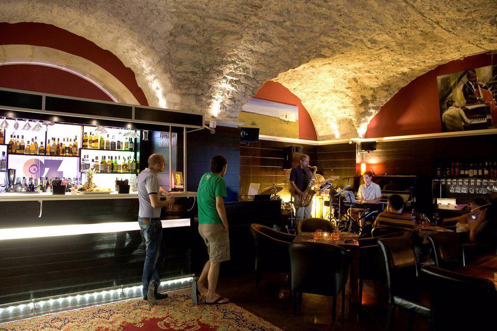 Oz Caffè Borgia, jazz club, lounge, nightlife, nightclub, old town of Siracusa, Sicily, Italy, Europe : Stock Photo