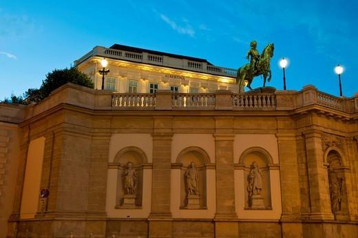 Stock Photo: 1848-460479 Albertina Palace at dusk, Vienna, Austria, Europe
