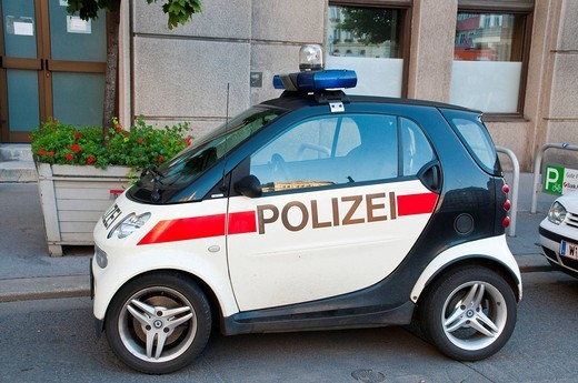 Smart police car, Vienna, Austria, Europe : Stock Photo