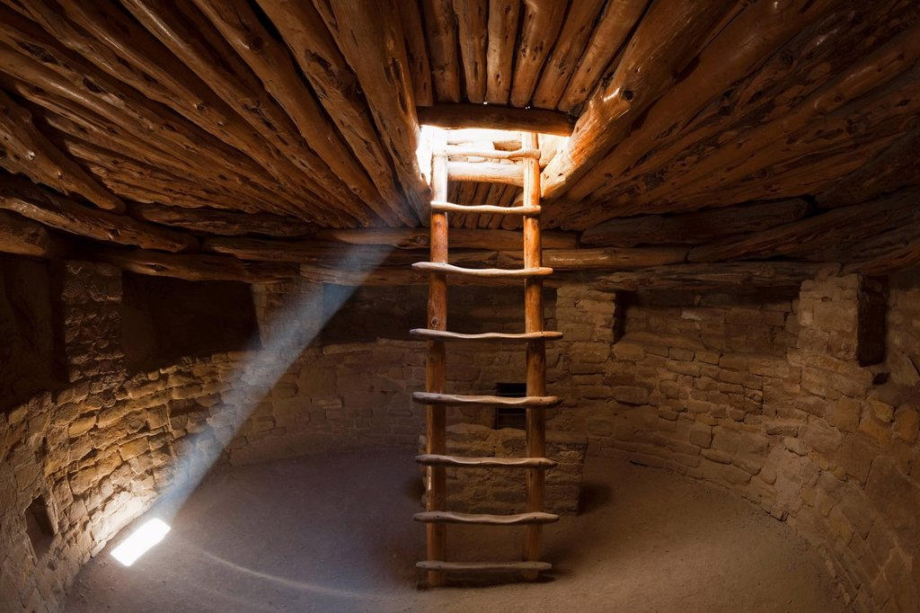 Stock Photo: 1848-462206 Ladder in a Kiva room for religious ceremonies, Spruce Tree House, Anasazi Native American ruins, Mesa Verde National Park, Colorado, America, United States