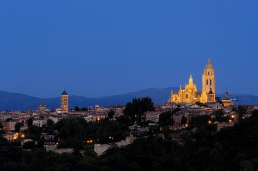 Cathedral at dusk, Segovia, Castilla León, Spain, Europe : Stock Photo