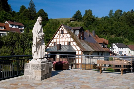 The statue of St. Elizabeth in Pottenstein, Naturpark Fraenkische Schweiz nature preserve, Little Switzerland region, Franconia, Bavaria, Germany, Europe : Stock Photo