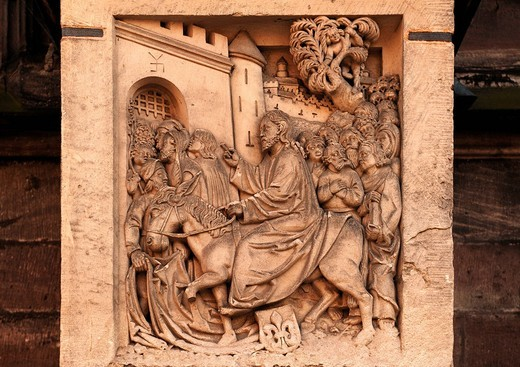Jesus entering Jerusalem, old relief panel at the Sebalduskirche church, Albrecht_Duerer_Platz 1, Nuremberg, Middle Franconia, Bavaria, Germany Europe : Stock Photo