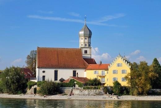 Wasserburg on Lake Constance with the Catholic parish church of St. Georg, Bavaria, Germany, Europe : Stock Photo