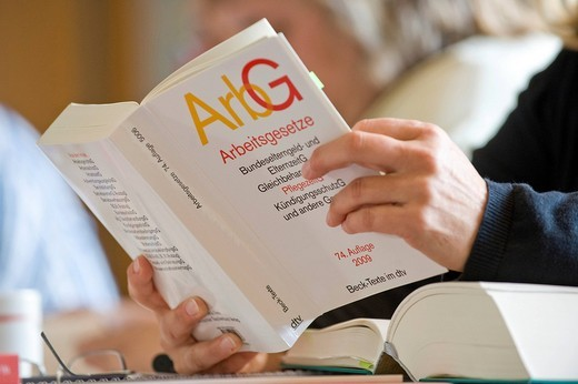 Stock Photo: 1848-465099 Book, German for Employment law, shop steward training seminar