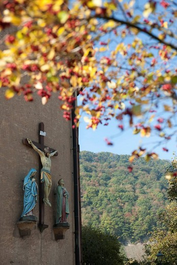 Crucifixion scene on a wall, wine town Neumagen_Dhron, Moselle, Rhineland_Palatinate, Germany, Europe : Stock Photo