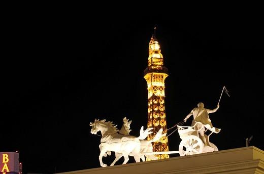 Chariot, Caesar´s Palace, Eiffel Tower, Paris Hotel, Las Vegas, Nevada, USA : Stock Photo