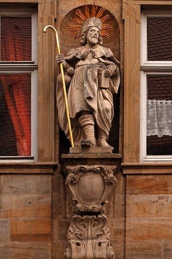 Stock Photo: 1848-466637 Large saint figure on a facade, Karolinenstrasse, Bamberg, Upper Franconia, Bavaria, Germany, Europe