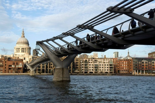 Stock Photo: 1848-466813 Millennium Bridge and St. Paul´s Cathedral, London, England, United Kingdom, Europe