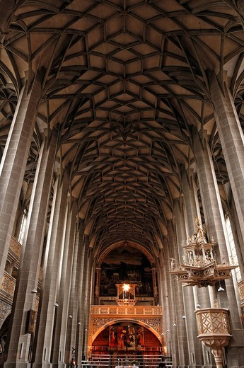 Nave with fan vault and Kleine Orgel, small organ, built in 1664 by Georg Reichel, in the Marienkirche church or Marktkirche Unser Lieben Frauen Church of Our Lady, late Gothic, built 1529_1554, Marktplatz, Halle Saale, Saxony_Anhalt, Germany, Europe : Stock Photo