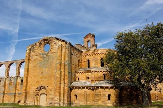 Stock Photo: 1848-468305 Ruins of Santa Maria de Moreruela Cistercian monastery, 12th century, Zamora province, Castilla_León, Spain, Europe