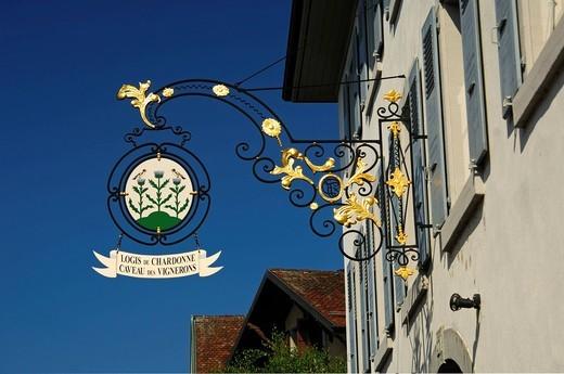 Tavern sign at the restaurant and wine cellar Logis de Chardonne Chardonnet, Vaud, Switzerland, Europe : Stock Photo
