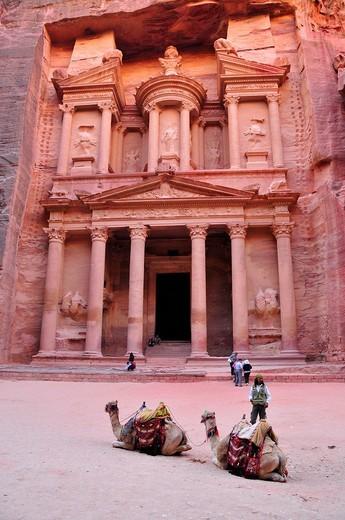 Façade of the treasury, Khazne Faraun, in the Nabataean city Petra, Unesco World Heritage Site, near Wadi Musa, Jordan, Middle East, Orient : Stock Photo