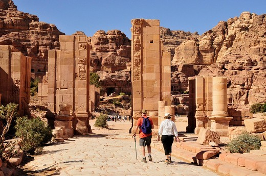 Stock Photo: 1848-468735 Tourists in the Nabataean city of Petra, Unesco World Heritage Site, near Wadi Musa, Jordan, Middle East, Orient