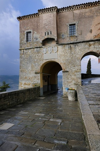 Town gate of Motovun, Croatia, Europe : Stock Photo