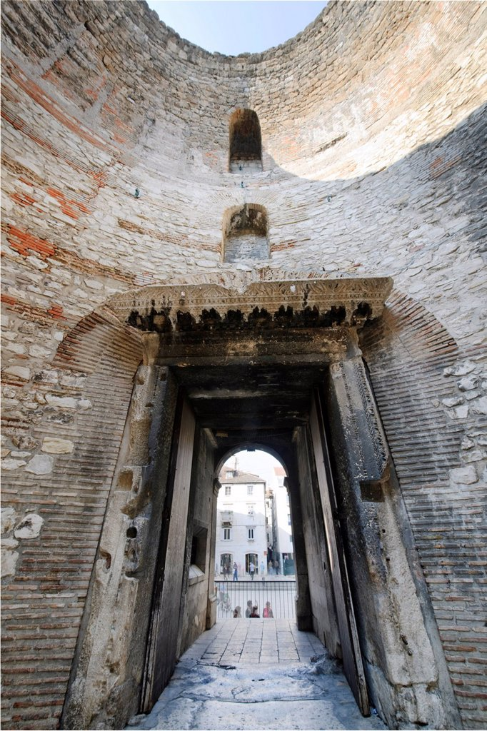 Stock Photo: 1848-469035 Vestibule of the Diocletian´s Palace in Split, Croatia, Europe