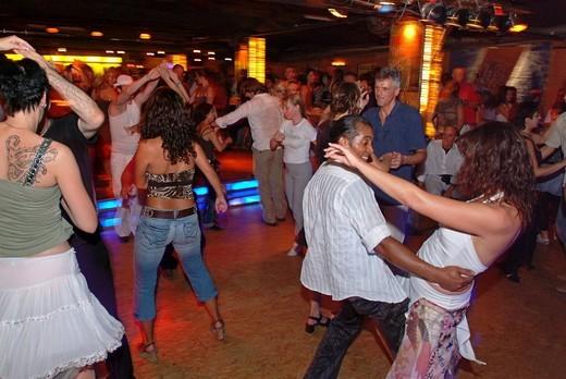 Salsa dancing in the Havanna Berlin salsa club and discotheque, Schoeneberg district, Berlin, Germany, Europe : Stock Photo